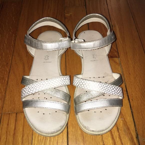 2d25a761fcbd Geox Little Girls White Sandals Size 3.5